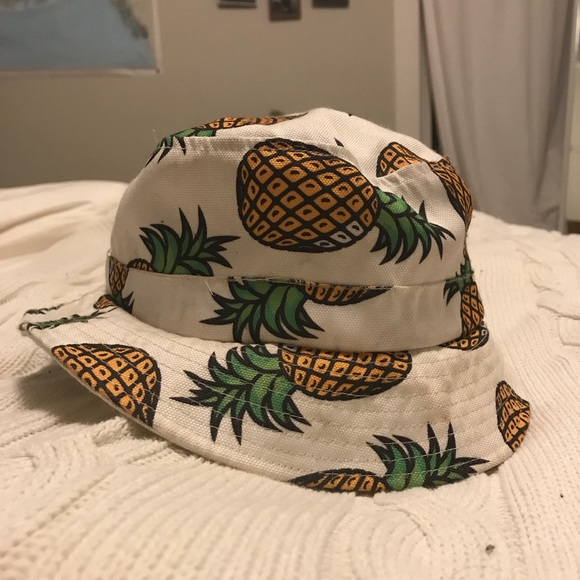 Forever 21 Accessories - 🍍PINEAPPLE BUCKET HAT🍍 fbcbf3a93c8
